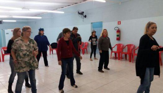 Divertidosos foi à aula experimental de dança de salão!