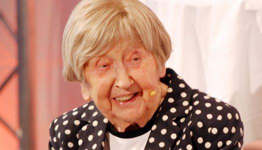 Idosos Superativos: Conheça a sra. Dagny, a blogueira de 106 anos!